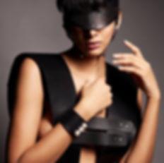 Fashion Editorial mit Ashanti Singh und Accessoires von Perlensau