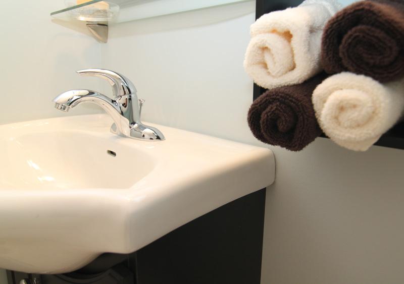 Bathroom+2c+800px