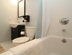 Bathroom+2+800px