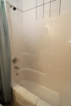 Bathroom+2b+800px