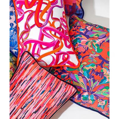 Coussins designs multicolores