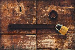 10 Tips To keep Your Garage Safe.jpg