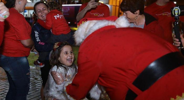 Brilho no olhar ao ver o Papai Noel