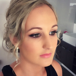 Airbrush makeup for all occasions