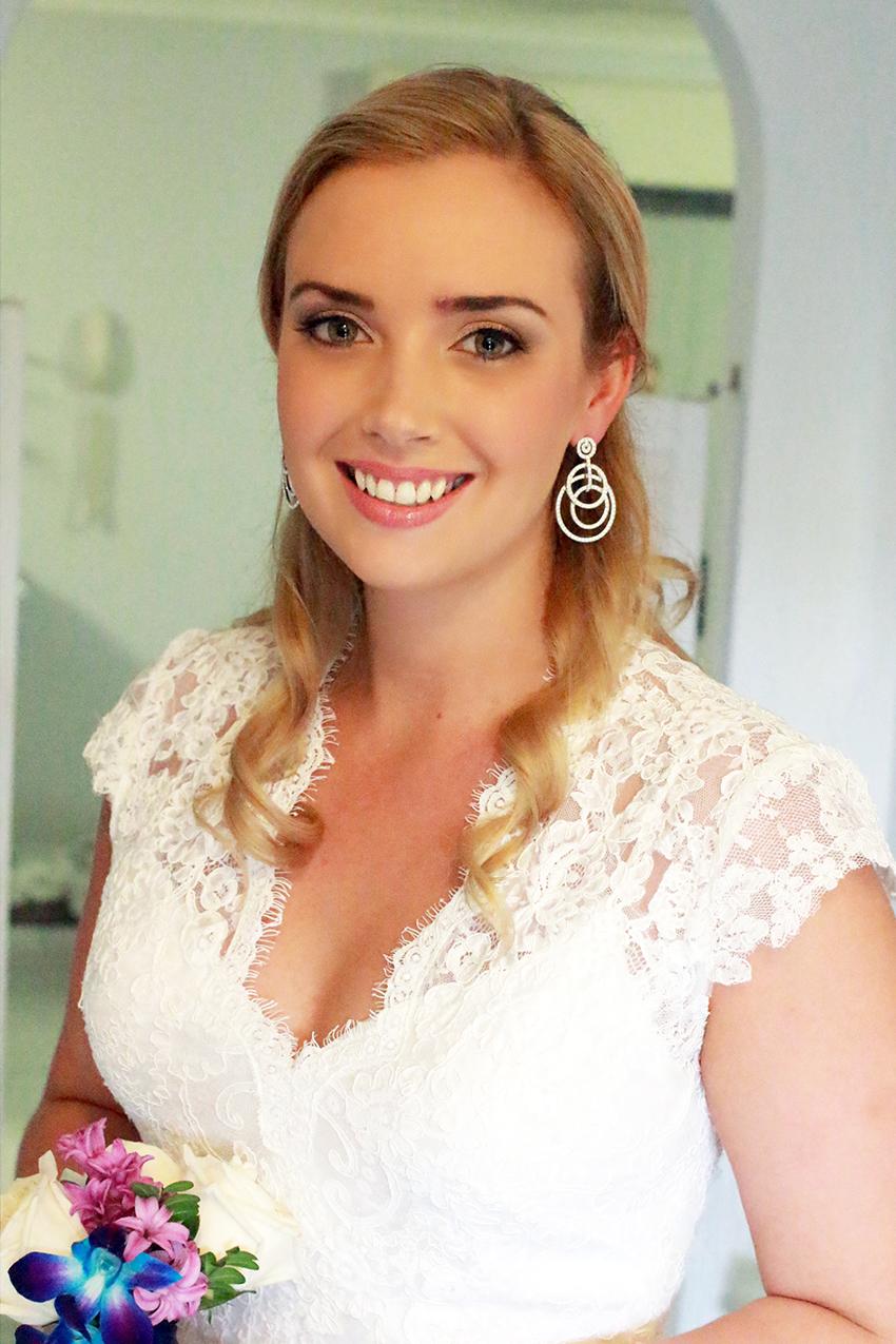 Brisbane bride hair hair curly style