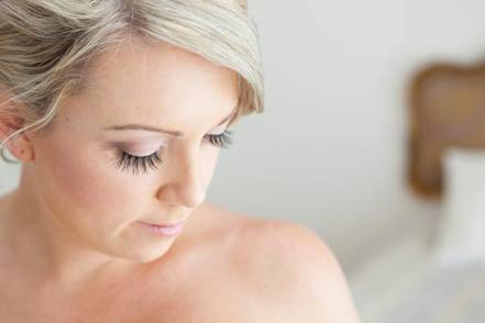 Gold Coast bride makeup hair styling