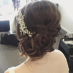 Romantic soft loose hairstyle sidedo