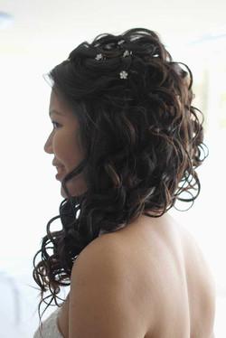 Wedding long hair style for bride