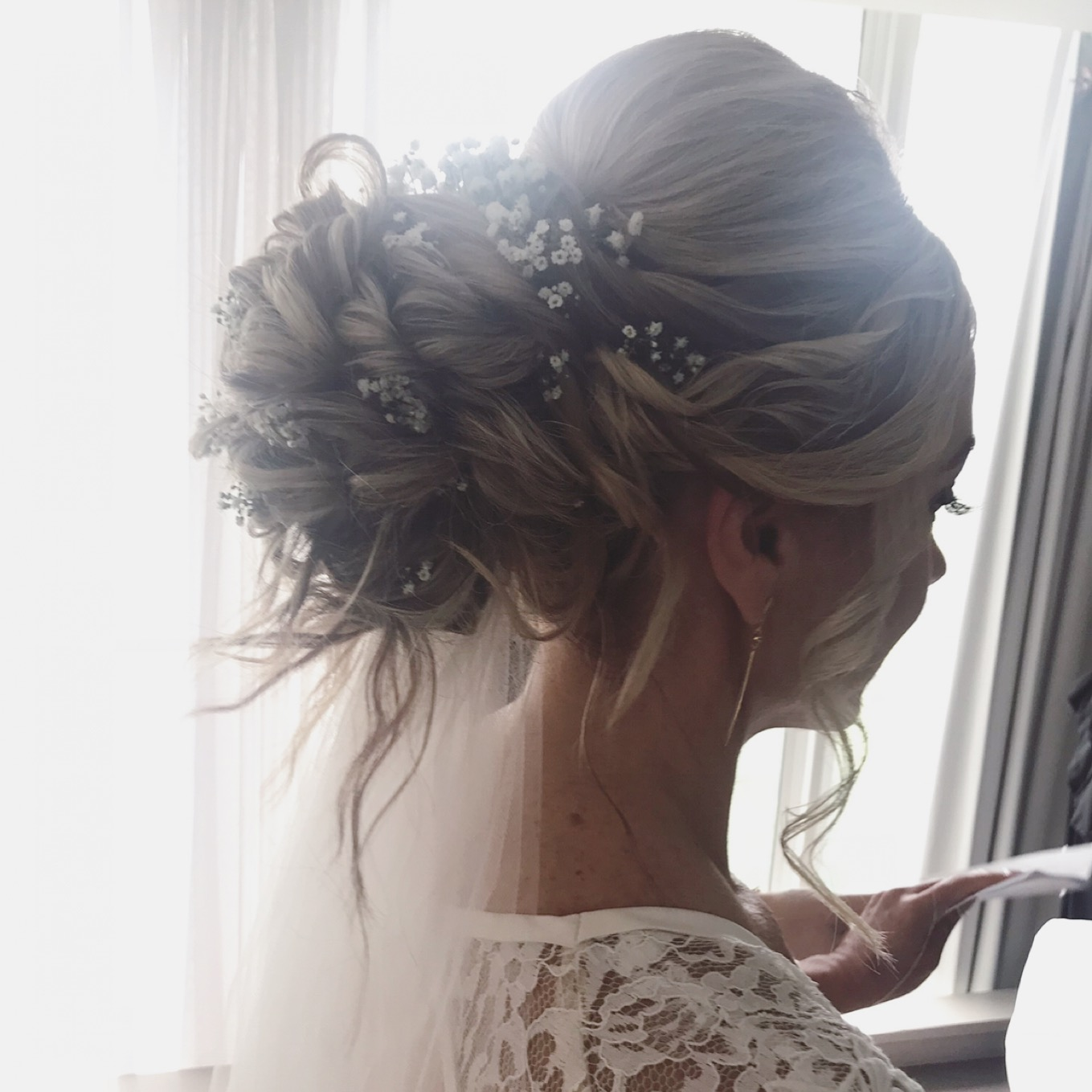 Wedding mobile hair makeup services