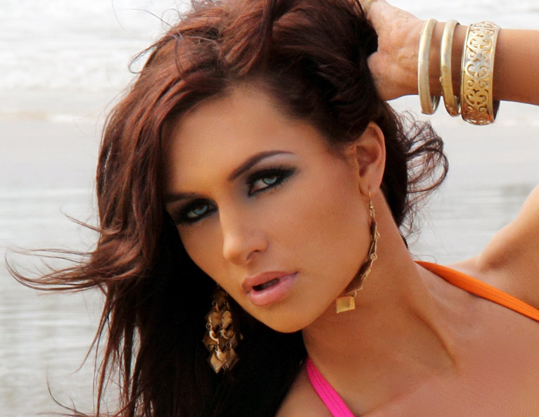 Swimwear model beach style makeup