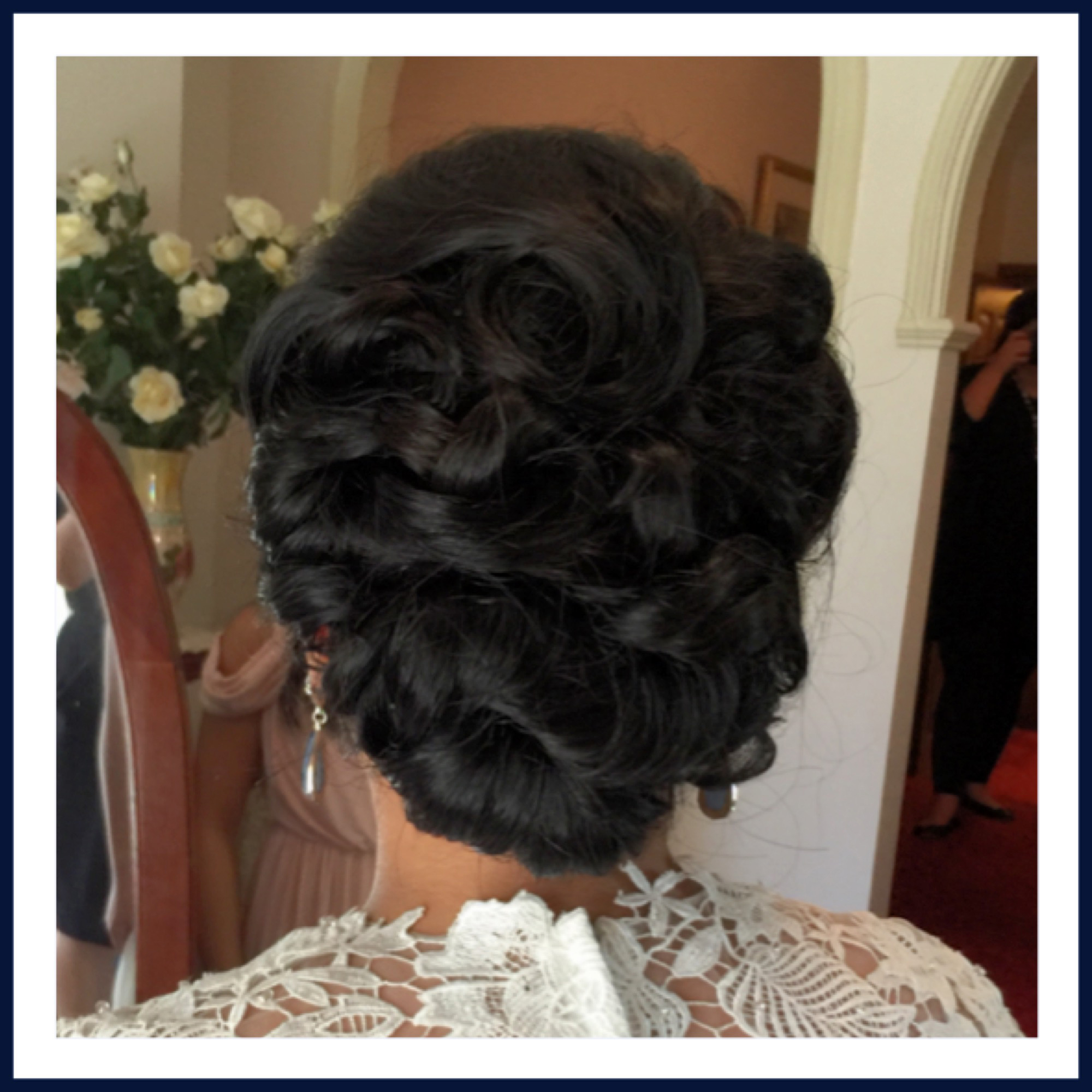 Vintage inspried wedding hairdo
