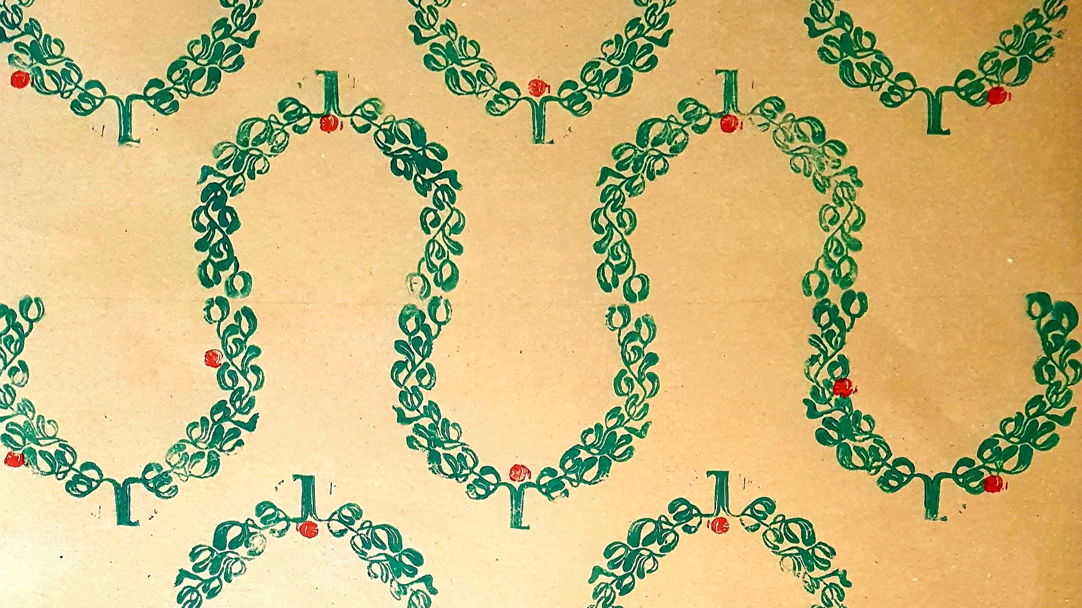 Mistletoe pattern wrapping paper