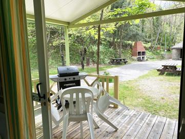 Vue sur extérieur - Chalet 2/3 personnes - Plancha sur terrasse privative