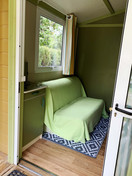 Canapé-lit - TV - Chalet 2/3 personnes.