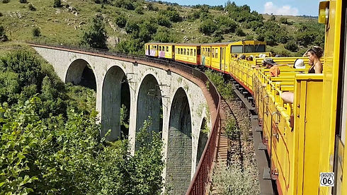 Camping-Fontpedrouse-TrainJaune_SNCF