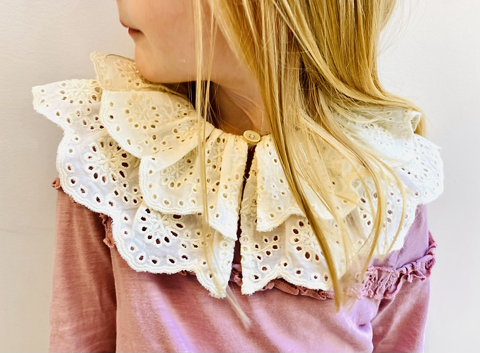 Mini Audrey Button Collar       5-7/8-10y - Limited Edition