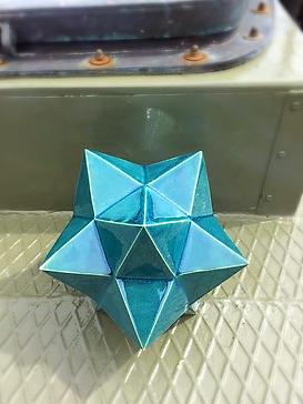 Keplers Stjärnformiga Polyeder, glaserat lergods