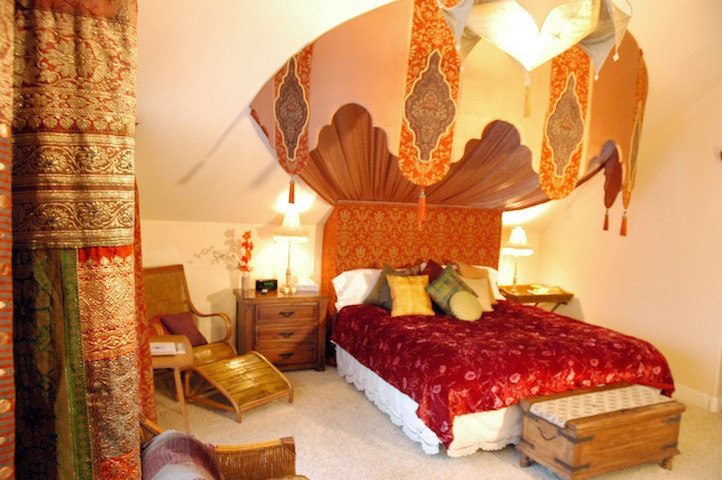 The Arabian Nights suite at the Swan River Inn in Bigfork, Montana