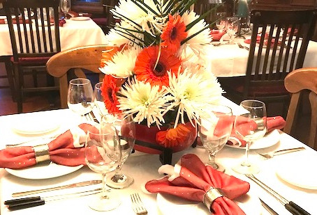Reserve your Holiday Party at Swan River Inn
