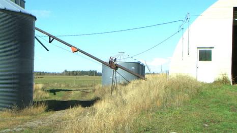farm out buildings PIC_0001 72dpi.JPG