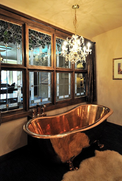 The soaking tub at Swan River Inn in Bigfork, Montana, is a replica of Cleopatras.