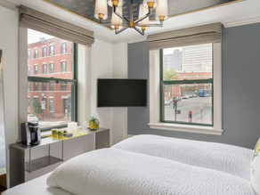 Cicero Construction Group Completes Renovation of Staypineapple Boston Hotel