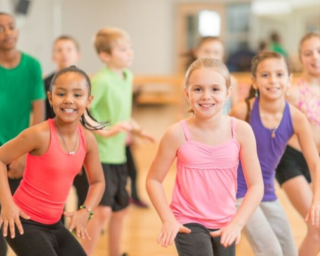 girls-dance-class
