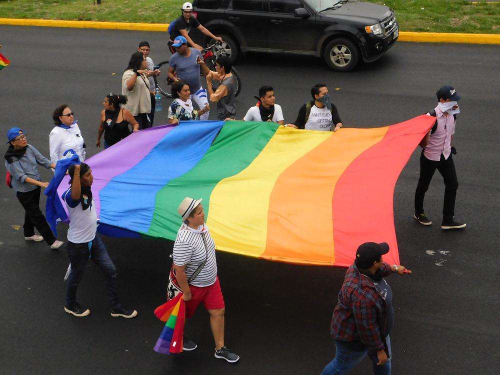 La última marcha del orgullo en Nicaragua se realizó en el 2018, bajo asedio y represión por parte del Estado en todo el país - Fotografía de Coyuntura por Juan Daniel Treminio