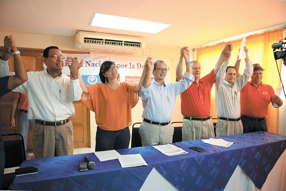 """Lanzamiento de la """"Coalición Nacional por la Democracia"""" para la Elecciones Presidenciales de 2011 - Fotografía cortesía"""