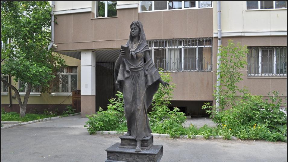 Памятник Святой Татьяны в г. Тюмень