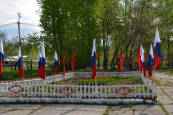 Украшение к Празднику Победы возле ЦДК _