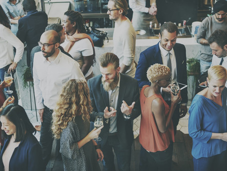 How to Effectively Network at Events - 7 Crucial Tips