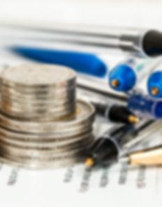 Rg Regnskap sørger for atdin ansatte får rett lønn til rett tid.