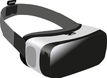 What are the types of VR headsets?