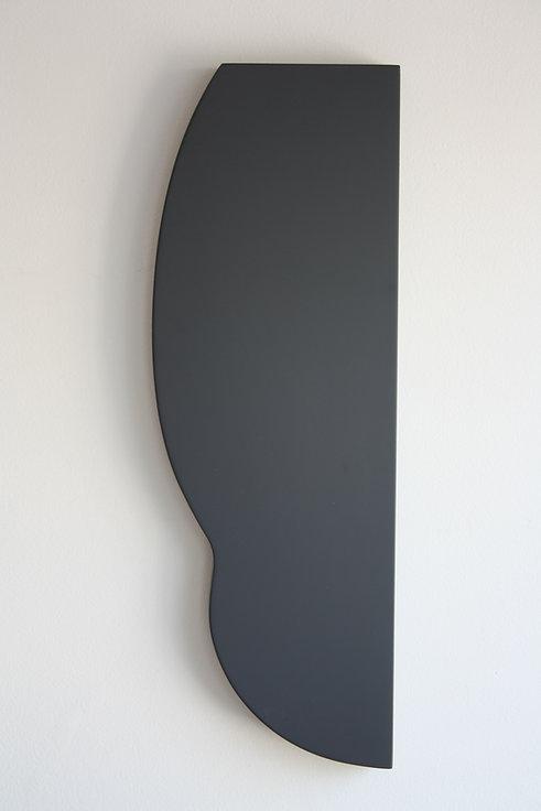 Sem título. 2019. Madeira e laca. 60 x 20 x 4,5 cm