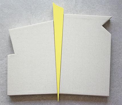 Sem título. Série Recortes. 2019. Fórmica e linho. 45 x 50 x 4,5 cm