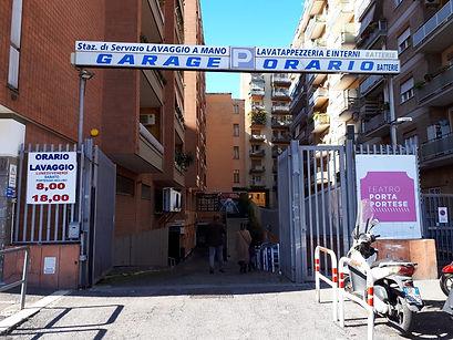 Autorimessa Porta Portese entrata.JPG