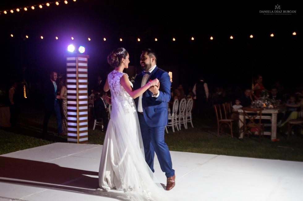Zuza+Sergio-Wedding-LD-443.jpg