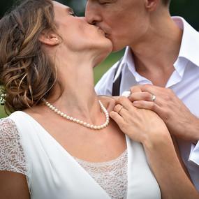 huwelijksfotografie de kus