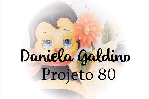 Projeto Digital 80: Abelinha com gerberas