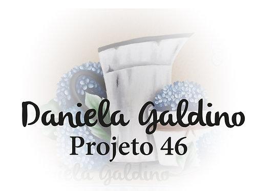 Projeto Digital 46: Jarro Branco com Hortensias Azuis