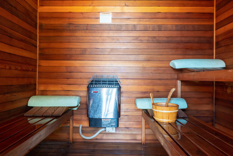 STEAM CEDAR SAUNA