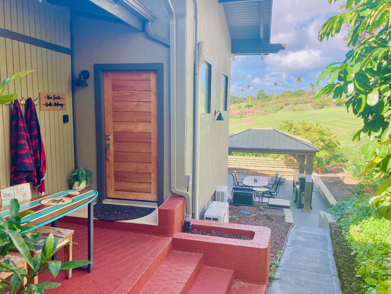 Private Entrance to Koa Suite