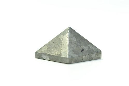 Campo del Cielo - Iron Meteorite - Pyramid cut - amazing collectors piece 9.5 g