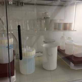 Teflon beaker washing