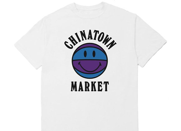 Chinatown Market SMILEY BBALL UV T-Shirt | white