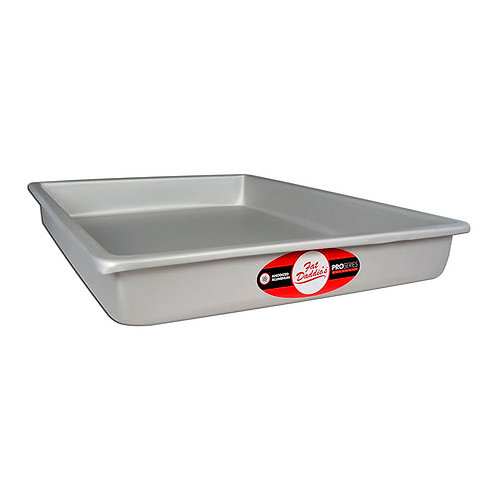 "Sheet cake pan solid bottom 12""x16""x3"""
