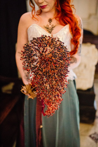 CRZyBest Alternative Bouquet Inspired by Game of Thrones,