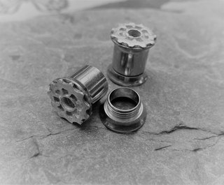 8mm stretchers with cogs 1 (4).jpg