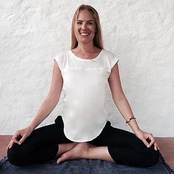 Yoga Stavanger sentrum  Mediyoga Medisinsk yoga Medisinskyoga meditasjon Karoline Vågane Skavland Endorfin Behandlingsklinikk
